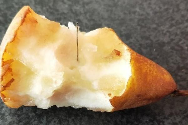 В Австралии обнаружены две упаковки груш с иглами внутри