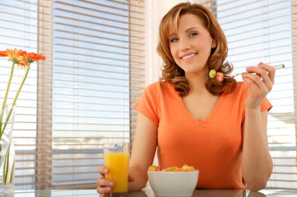 Завтрак - самый главный прием пищи и даже если ты сидишь на диете, не отказывайся от завтрака