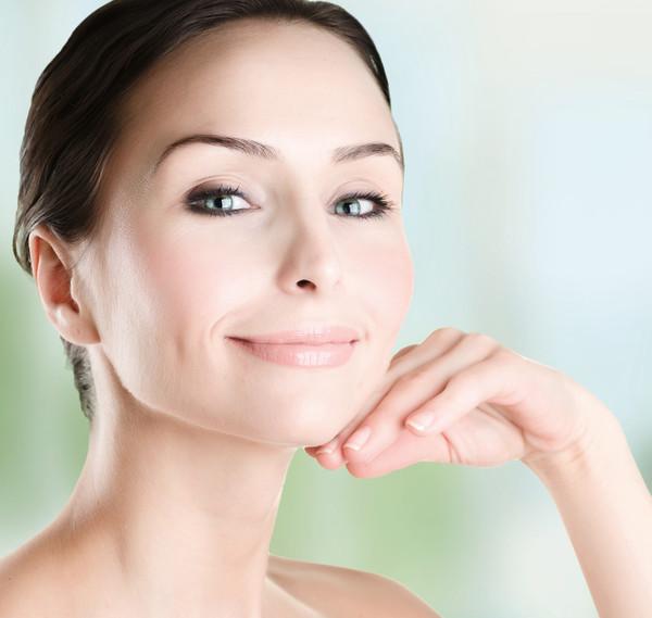 Многие из нас считают, что определяют свой тип кожи правильно. Но проверить не помешает.