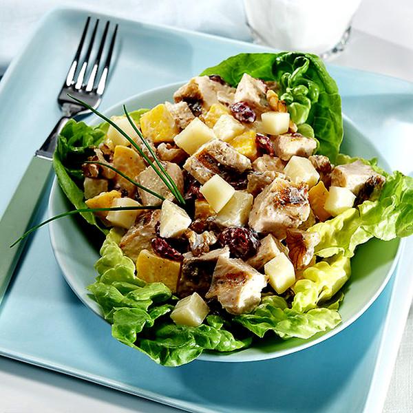 Курица хорошо сочетается с овощами и даже фруктами