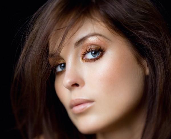 женский шоколадный глаз фото