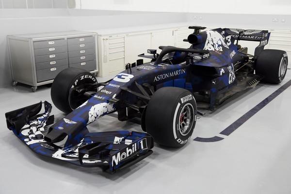 Новый болид команды Ф-1 Ред Булл