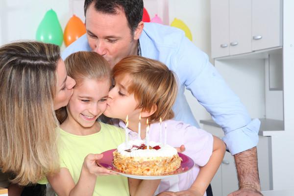 Все больше родителей переживает, что не могут уделить детям больше внимания из-за работы