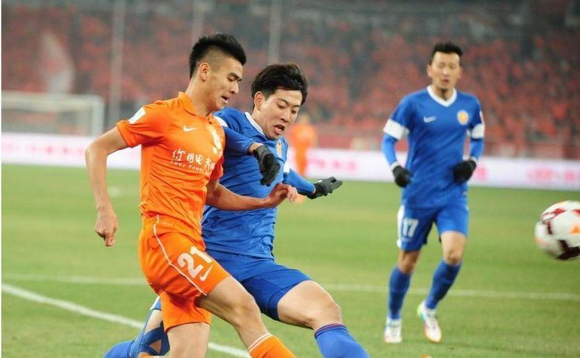 В Китае охранники избили футболистов одной из команд дубинками