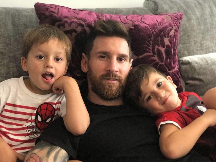 Лионель Месси с сыновьями