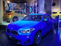 Рискни быть другим. BMW X2 представляет Ukrainian Fashion Week