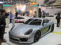 Porsche представила Cayman e-volution