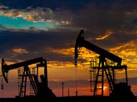 Нефть незначительно выросла в цене
