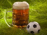 Пять причин хлебнуть пивка после футбола