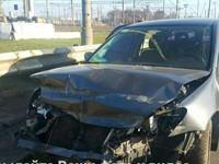 В Киеве водитель разбил иномарку из-за дорожного ремонта
