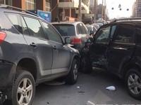 Масштабное ДТП в Киеве: разбиты четыре авто, есть пострадавшие