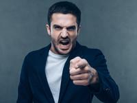 Твой коллега — псих: семь тревожных признаков