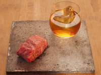 Коктейли с мясом: шесть самых странных способов напиться