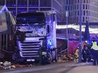 Грузовик врезался в толпу в Берлине: девять человек погибли, пострадали 50