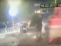 Страшное ДТП с поездом: водитель выскочил за секунду до столкновения