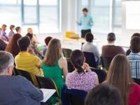 В Киеве начали читать лекции о коммунальных тарифах
