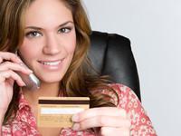 Что банки предлагают клиентам в нагрузку к платежной карте