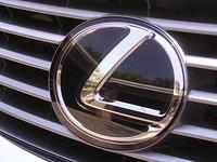 Дебют месяца: авто Lexus ES 350 прибыло в Киев