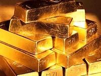 Золото уверенно дорожает