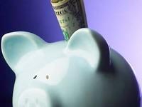 Нацбанк снял ограничения по вывозу валюты