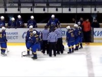 Украинский хоккеист спас жизнь одноклубнику