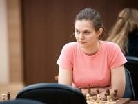 Украинка обыграла россиянку в первом полуфинальном матче по шахматам