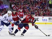 НХЛ: Торонто одолел Вашингтон, Анахайм обыграл Калгари