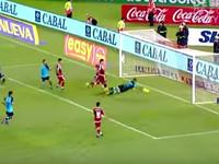 Аргентинский футболист не смог забить гол в пустые ворота