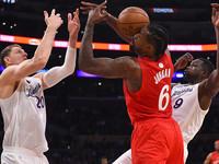 НБА: Торонто в овертайме обыграл Чикаго, Лейкерс разгромно уступили Клипперс