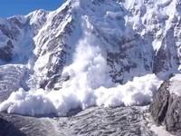 Инструкция по выживанию в лавине: Что делать, если тебя накрыли тонны снега
