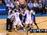 Баскетболисты устроили драку на площадке