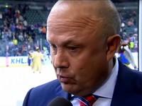 В России тренер хоккейного клуба во время интервью заканчивал предложения матом