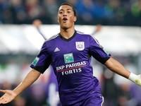Звезда Андерлехта забил два пушечных гола за две минуты