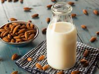 Чем полезно зерновое молоко
