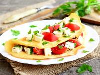 Омлет с фетой и вялеными помидорами