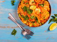 Испанская паэлья с курицей и морепродуктами