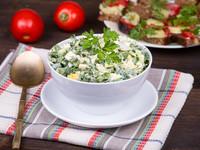 Весенний салат из черемши с огурцом
