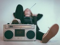 Да здравствует пятница: слушаем и танцуем под легкую музыку