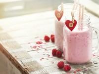 Смузи из малины на День святого Валентина