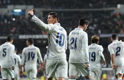 Звезда мадридского Реала показал средний палец журналистам