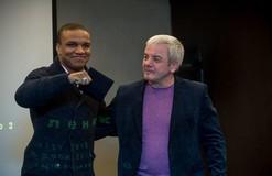 Украинских борцов наградили серебряными наградами