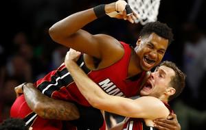 НБА: путбэк Уайтсайда назван лучшим моментом дня