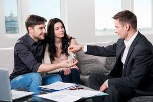 Рынок недвижимости сдерживает цены на аренду квартир