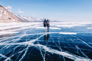 Прогулка по замерзшему Байкалу: серия удивительных снимков