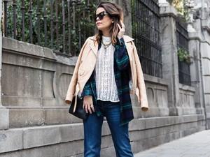 Как носить джинсы-клеш