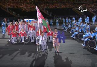 Сборную Беларуси могут дисквалифицировать с Паралимпиады за флаг России