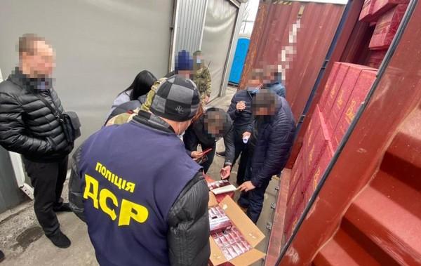 В порту Одессы раскрыли схему контрабанды сигарет0