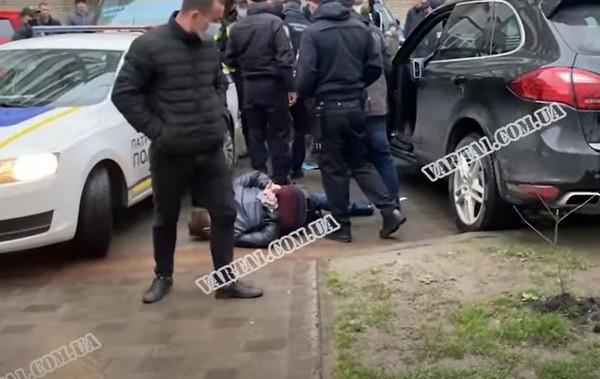 Во Львове водитель совершил четыре ДТП и помочился на авто полиции0