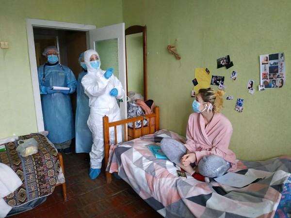 Эвакуированные по-прежнему находятся в санатории в Санжарах