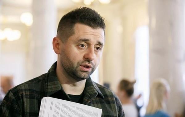Арахамия высказался об отставке Степанова0
